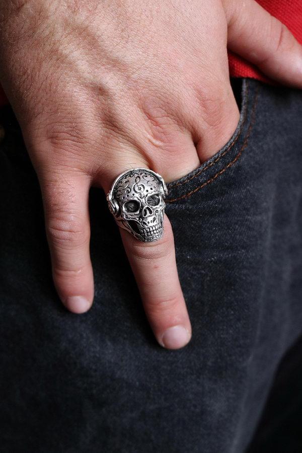 Walkman Skull