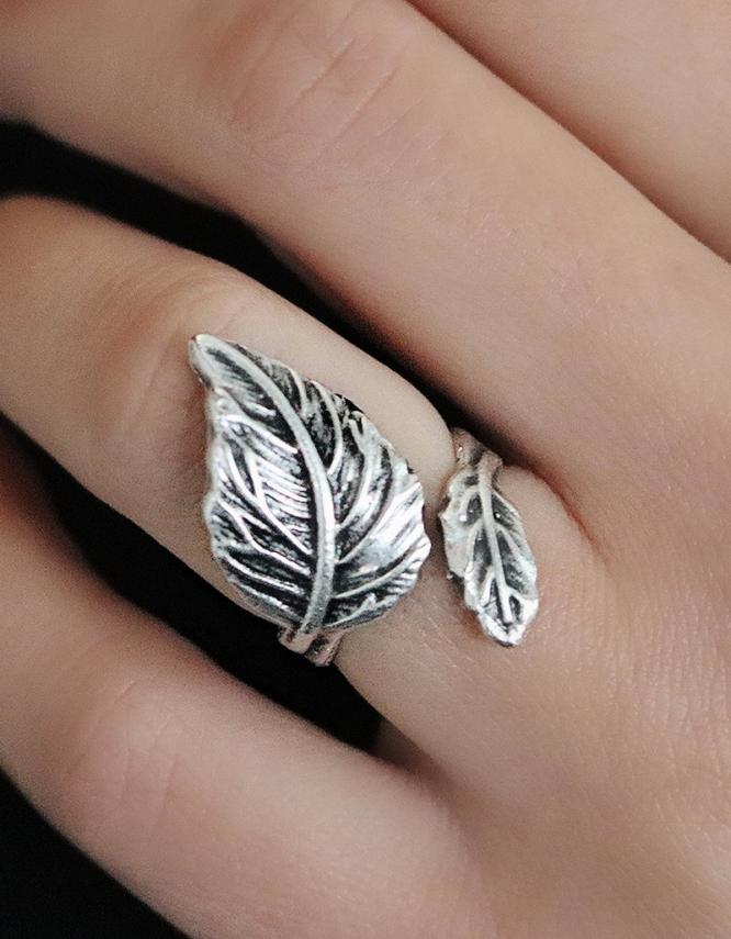 Ιώβη Δαχτυλίδι