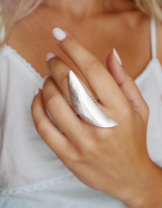 Μισοφέγγαρο Δαχτυλίδι