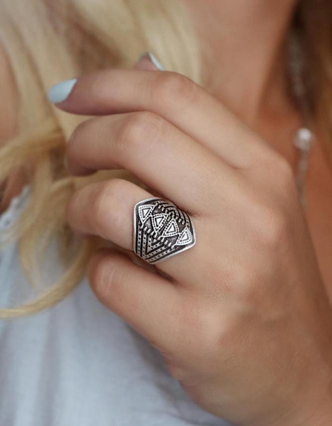 Πυραμίδες Δαχτυλίδι