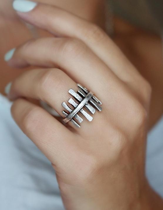 Ραφαέλα Δαχτυλίδι