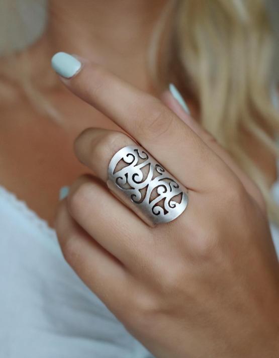 Ζακελίνα Δαχτυλίδι