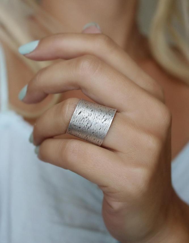 Ανέζα Δαχτυλίδι