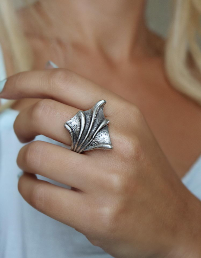 Καμέλια Δαχτυλίδι
