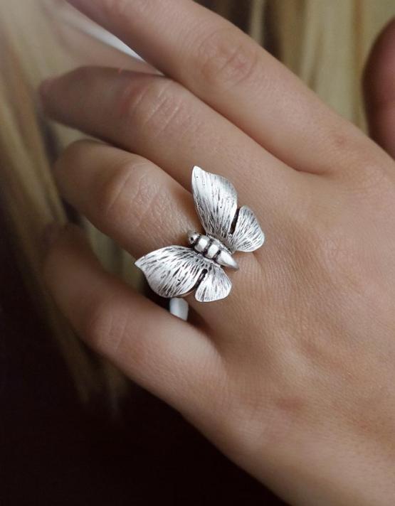 Πεταλούδα Δαχτυλίδι