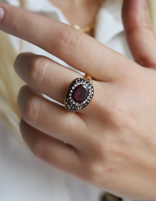 Αντιγόνη Δαχτυλίδι