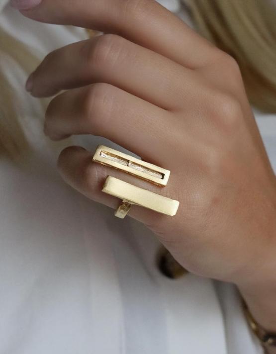 Ίος Δαχτυλίδι
