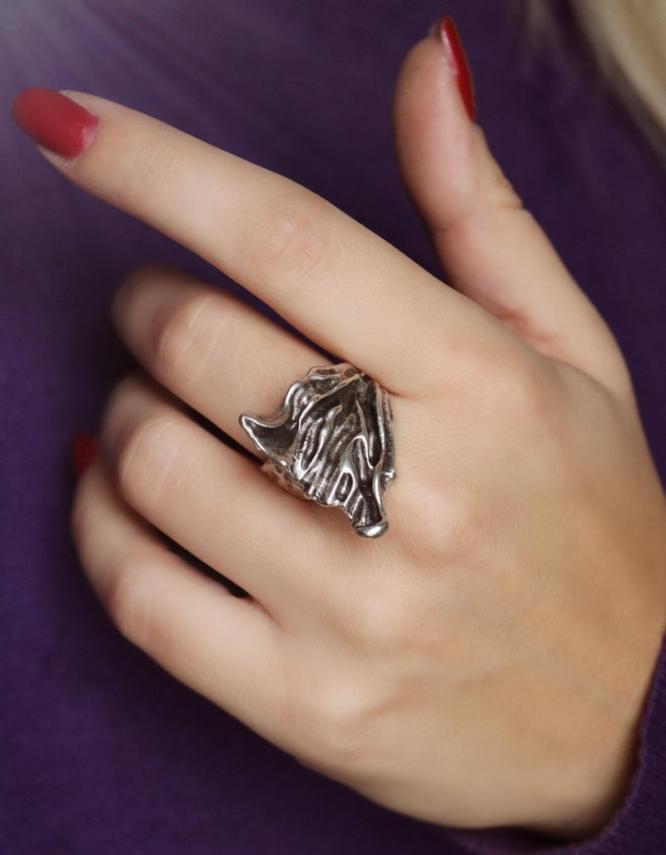 Αυγή Δαχτυλίδι