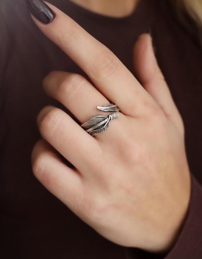 Φτερό Δαχτυλίδι