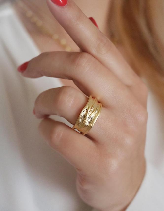 Ωραιοζήλη Δαχτυλίδι
