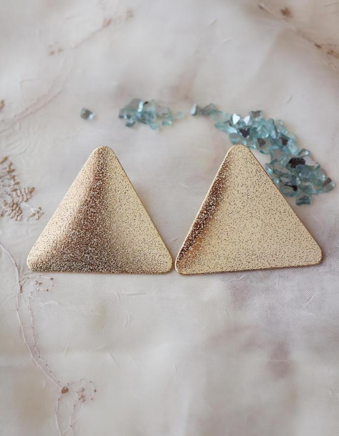 Τρίγωνα Σκουλαρίκια
