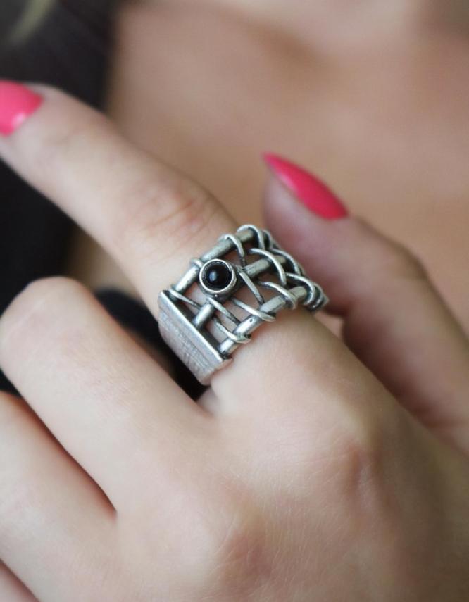 Ιουλία Δαχτυλίδι