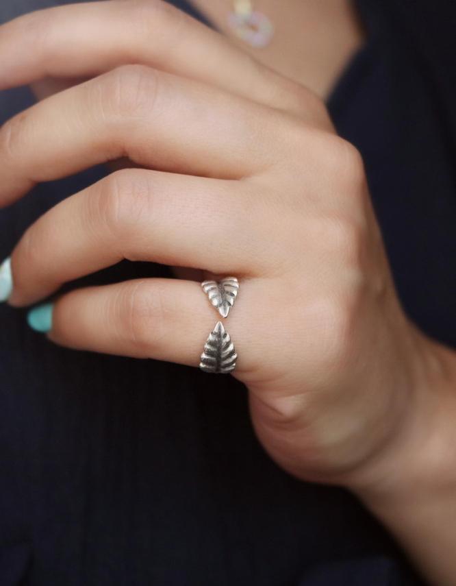 Λεάννα Δαχτυλίδι