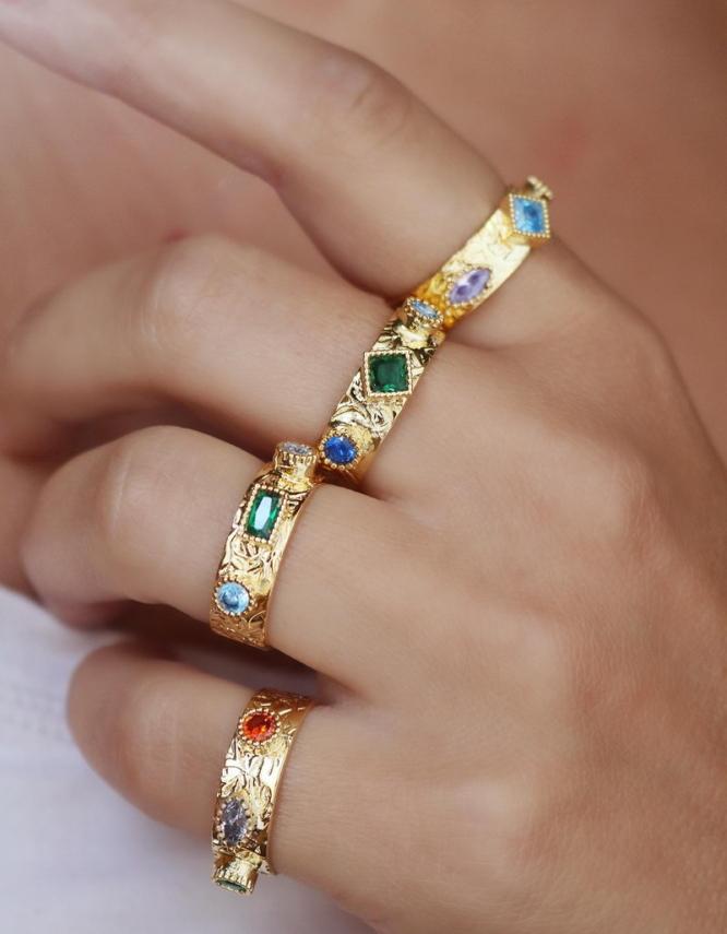 Λυσάνδρα Δαχτυλίδι Με Πετράδια